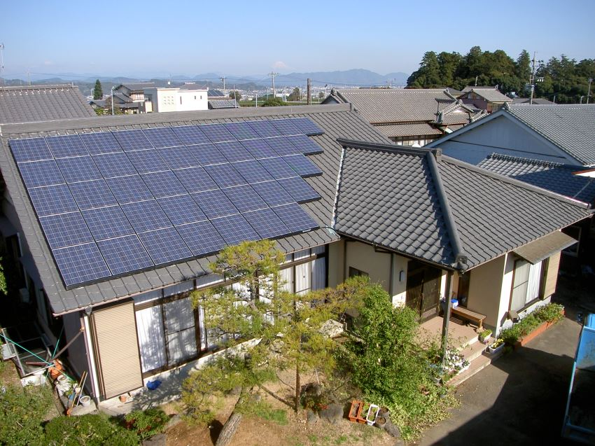 太陽光発電_切妻屋根65