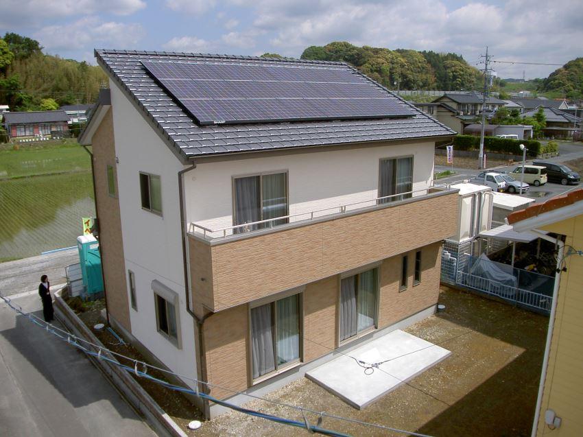 太陽光発電_切妻屋根99