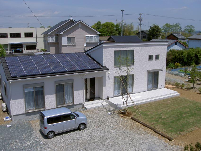 太陽光発電_切妻屋根104