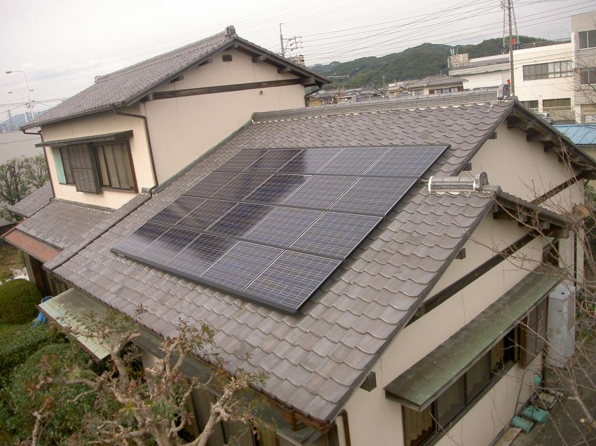 太陽光発電_切妻屋根111